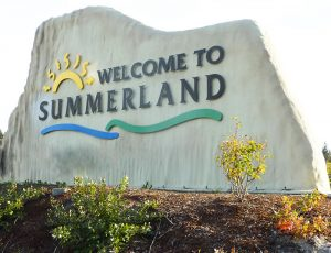 Hunters Hill Summerland Welcome Sign